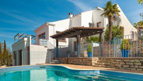 Villa de 4 dormitorios en venta en Sotogrande Costa – R2629628 in
