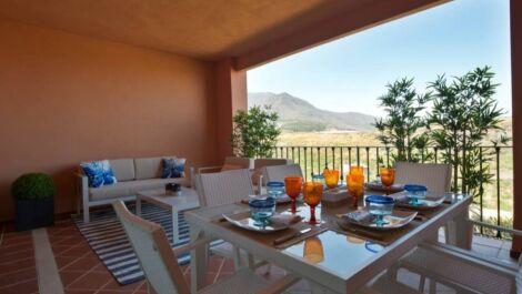 Adosado de 3 dormitorios en venta en Estepona – R3676253