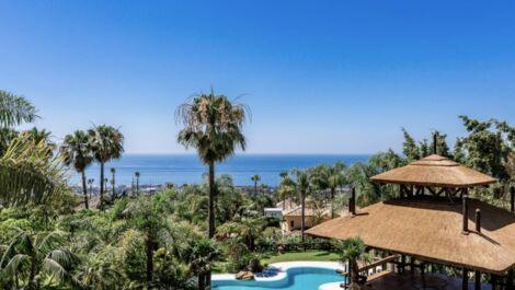 Villa de 9 dormitorios en venta en Sierra Blanca – R3640034