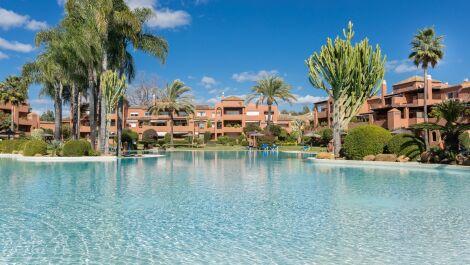 Atico de 3 dormitorios en venta en Guadalmina Baja – R3645977 en