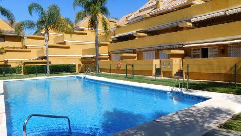 3 bedroom Apartment for sale in Elviria – R3657410 in