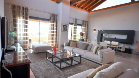 3 bedroom Penthouse for sale in Sierra Blanca – R3020459