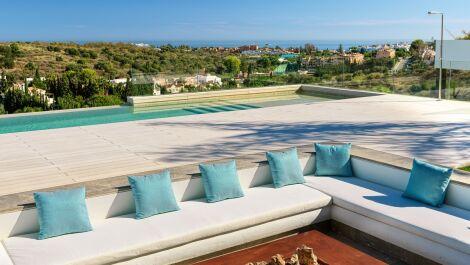 5 bedroom Villa for sale in Los Flamingos – R3613931