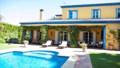Villa de 5 dormitorios en venta en Sotogrande Costa – R3634847 en
