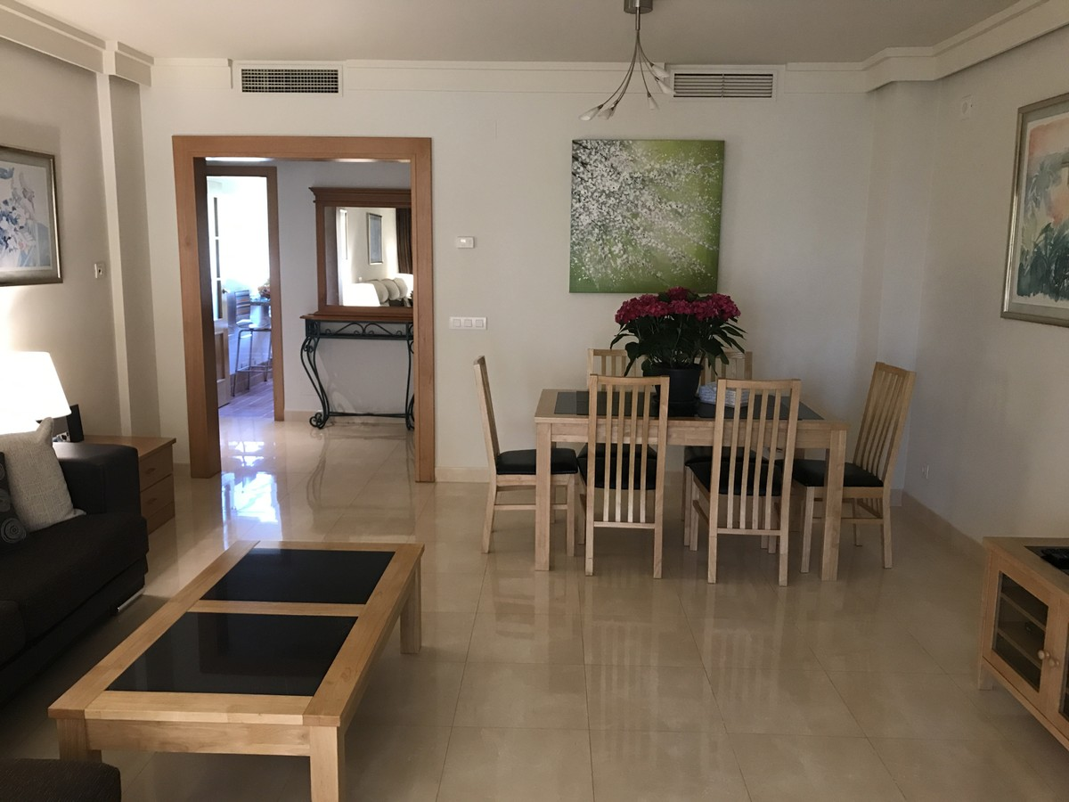 3 bedroom Apartment for sale in Estepona – R3623147