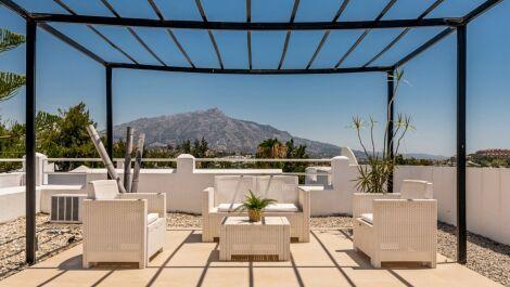 2 bedroom Penthouse for sale in Benahavis – R3669416 in