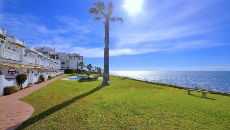 Apartamento de 2 dormitorios en venta en Calahonda – R3180508