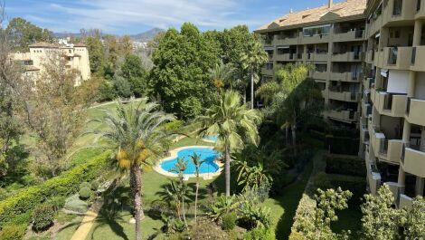 Apartamento de 3 dormitorios en venta en Guadalmina Alta – R3643931 en