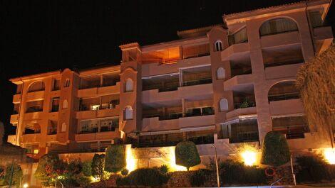 2 bedroom Penthouse for sale in Elviria – R3659417