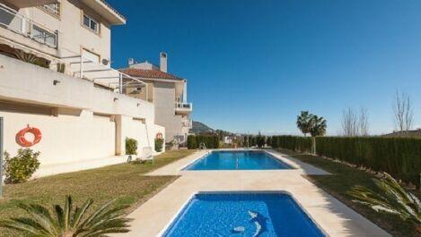 3 bedroom Penthouse for sale in Mijas – R3070780 in