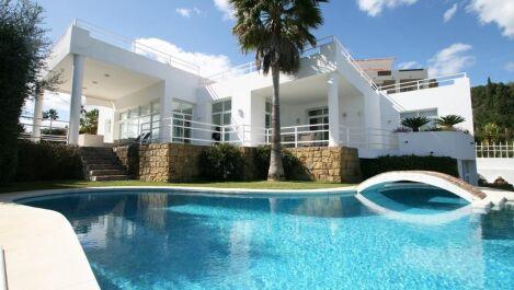 Villa de 5 dormitorios en venta en La Quinta – R1960364