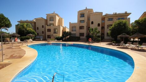 2 bedroom Apartment for sale in Elviria – R3521149 in