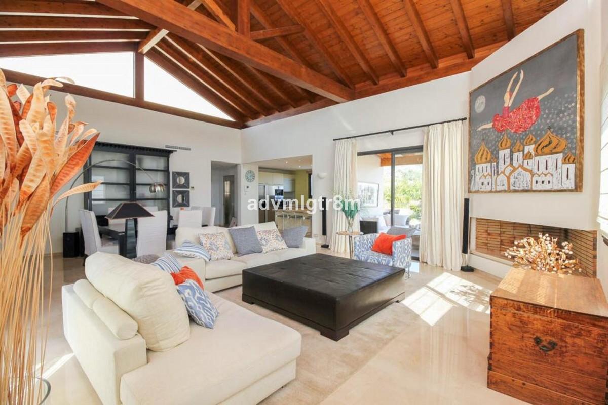 3 bedroom Villa for sale in Sierra Blanca – R3517561