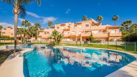 Apartamento de 3 dormitorios en venta en Cabopino – R3277750 en