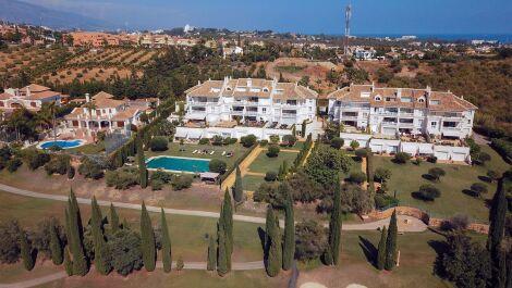 Atico de 4 dormitorios en venta en Los Flamingos – R3225679 en