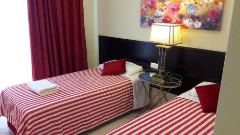 Apartamento de 2 dormitorios en venta en Estepona – R3158596
