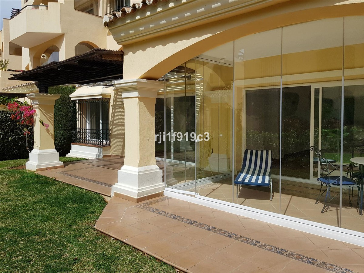 2 bedroom Apartment for sale in Elviria – R3418759