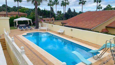 Villa de 7 dormitorios en venta en Sotogrande – R3328423 in