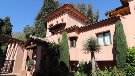 4 bedroom Townhouse for sale in Sierra Blanca – R3395422