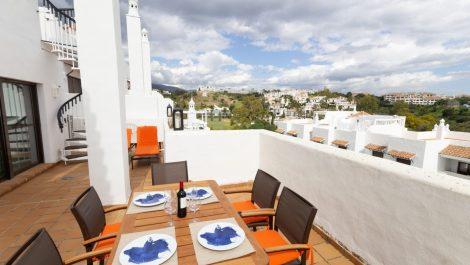 Atico de 2 dormitorios en venta en Nueva Milla de Oro – R3374557 en