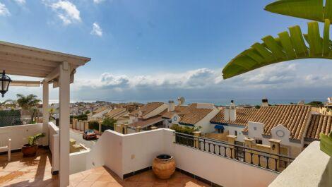 Adosado de 4 dormitorios en venta en Riviera del Sol – R3390541