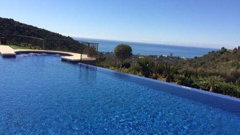 Apartamento de 3 dormitorios en venta en Altos de los Monteros – R3528496