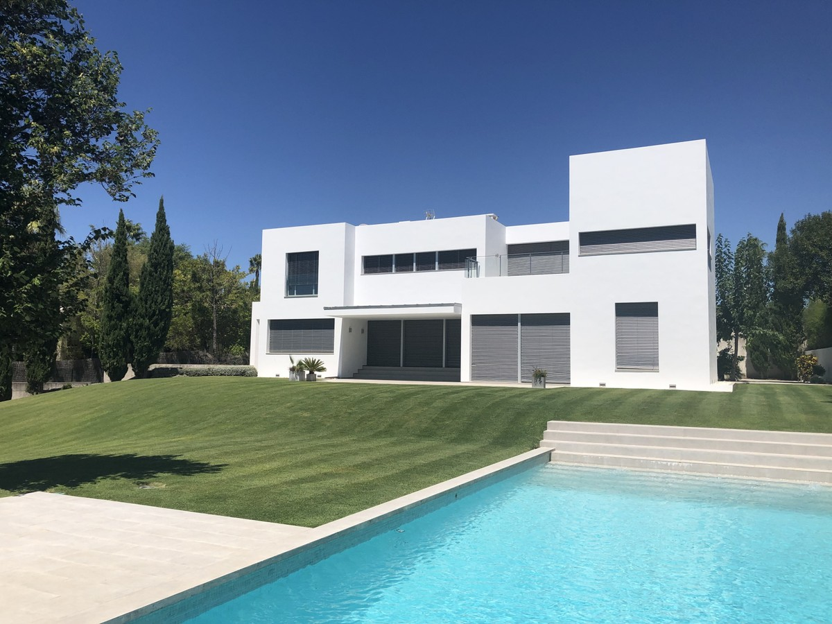 4 bedroom Villa for sale in Sotogrande Alto – R3607160