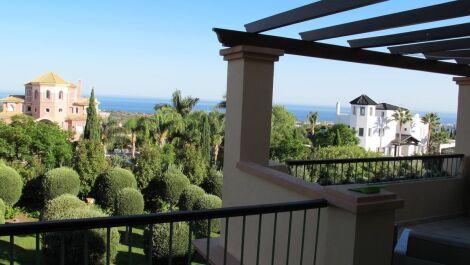 Atico de 4 dormitorios en venta en Los Flamingos – R3694409 en