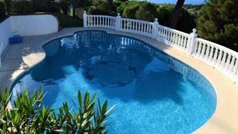 Adosado de 3 dormitorios en venta en Calahonda – R3684677 en