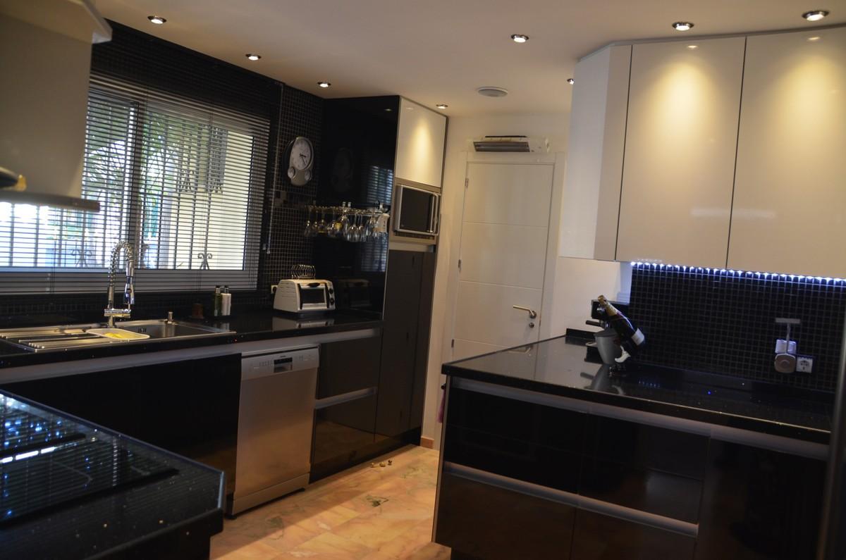 3 bedroom Villa for sale in Carib Playa – R3592873