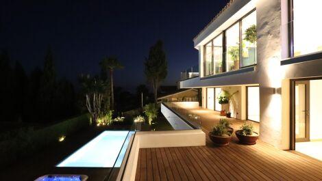 4 bedroom Villa for sale in Marbella – R3688148 in
