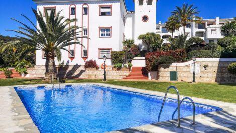 Atico de 4 dormitorios en venta en Reserva de Marbella – R3679898 en