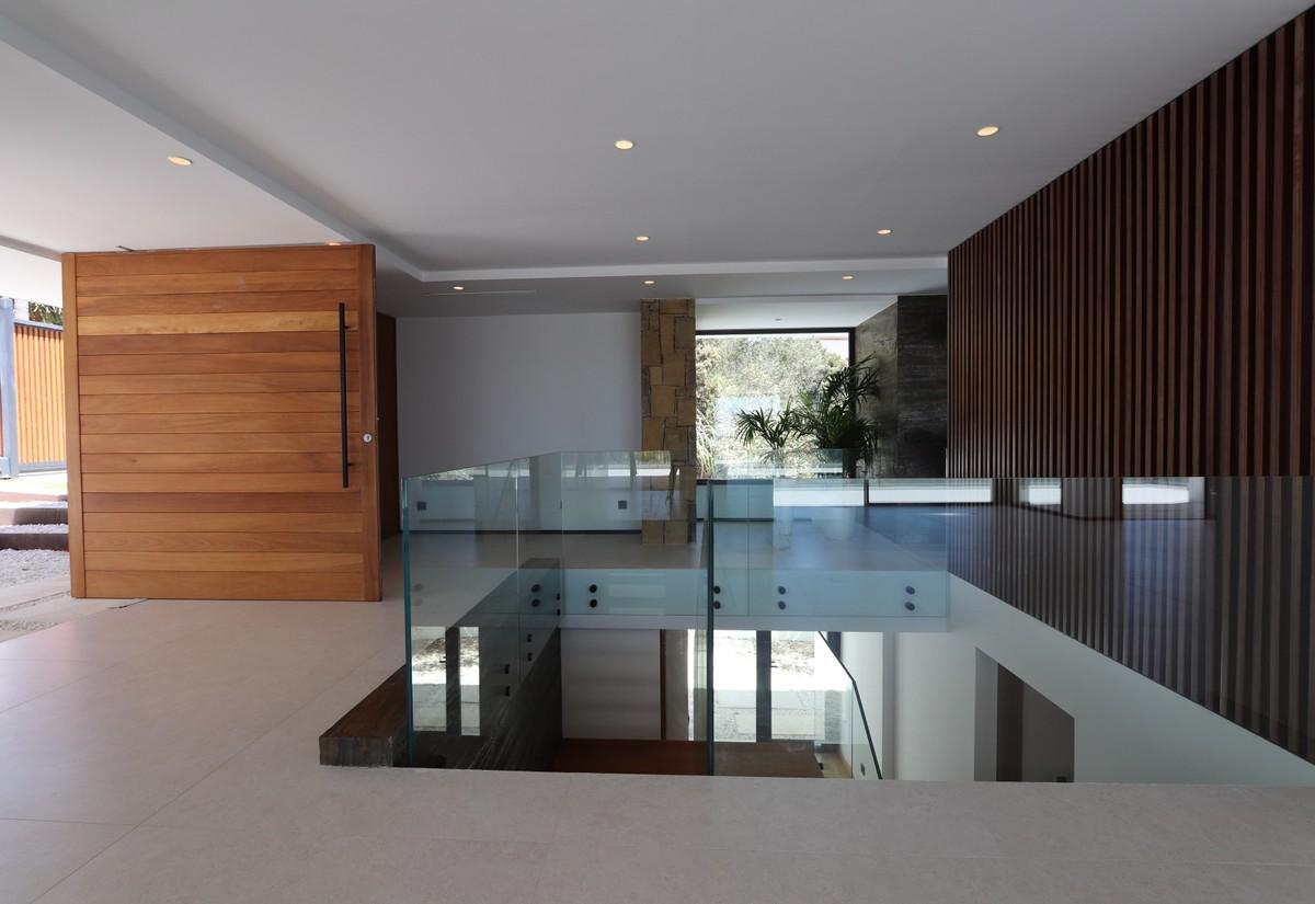 5 bedroom Villa for sale in Marbesa – R3694604
