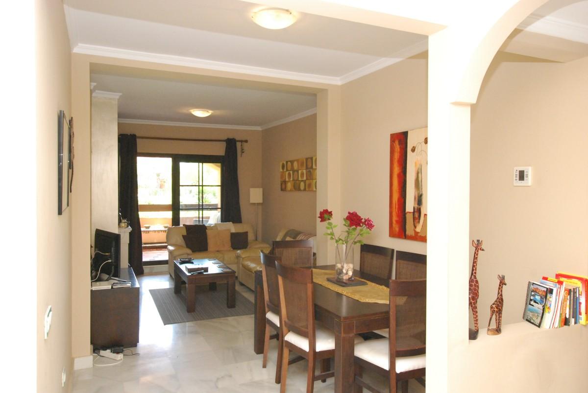 Apartamento de 2 dormitorios en venta en Hacienda del Sol – R3682676