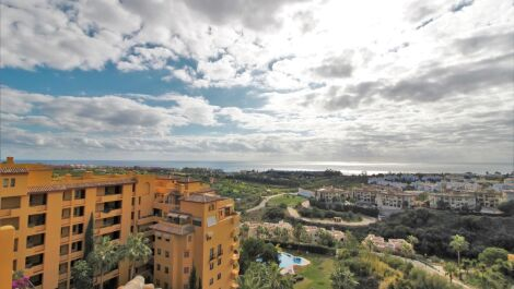 4 bedroom Penthouse for sale in Selwo – R3680078 in