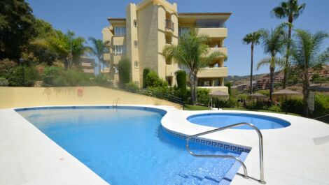 3 bedroom Apartment for sale in Elviria – R3676349 in