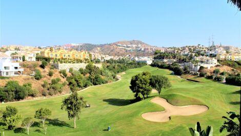Villa de 3 dormitorios en venta en Riviera del Sol – R3680126 en