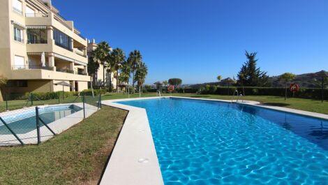 Apartamento de 3 dormitorios en venta en Mijas Costa – R3586630 en