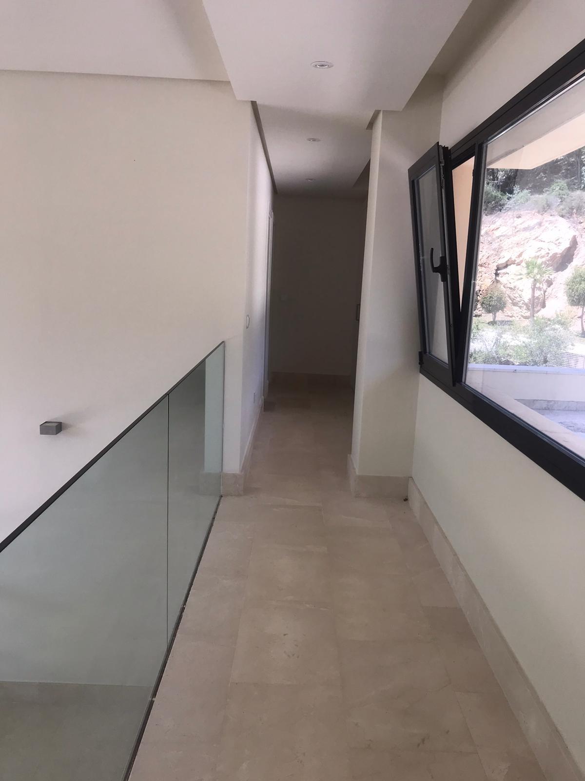 5 bedroom Villa for sale in Sotogrande – R3682499
