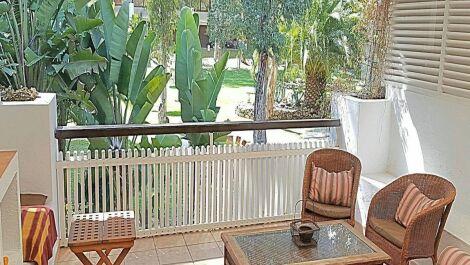 Apartamento de 2 dormitorios en venta en Marbella – R3679973