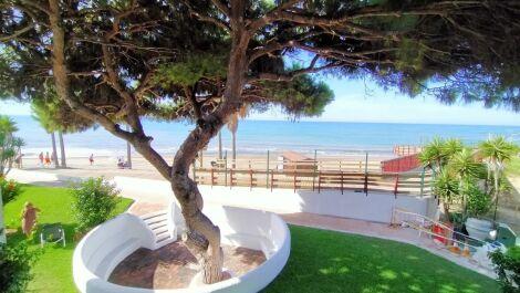 Apartamento de 2 dormitorios en venta en Calahonda – R3680531