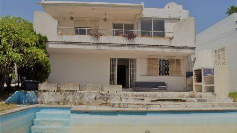 Villa de 5 dormitorios en venta en Guadalmina Alta – R3680072 en