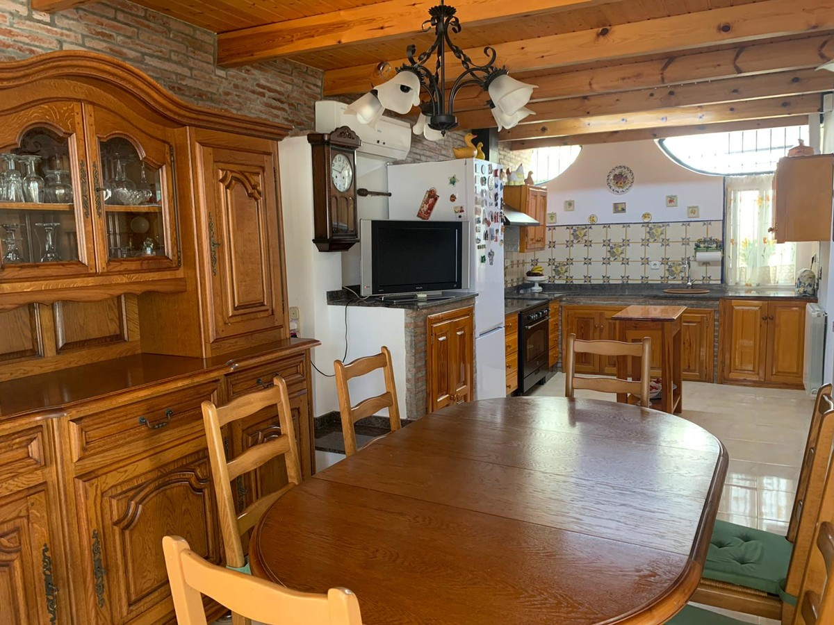 Villa de 4 dormitorios en venta en El Rosario – R3688130