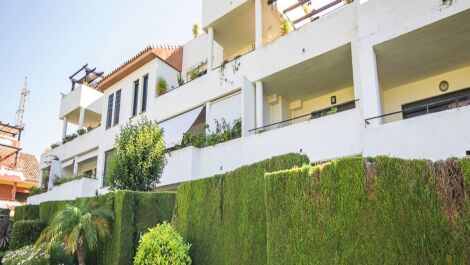 Apartamento de 2 dormitorios en venta en Estepona – R3570136 en