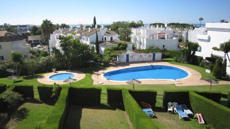 3 bedroom Penthouse for sale in Estepona – R3689366