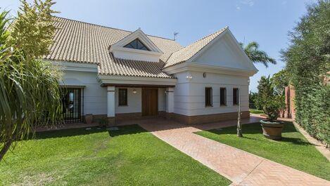 Villa de 6 dormitorios en venta en Santa Clara – R2759171 en