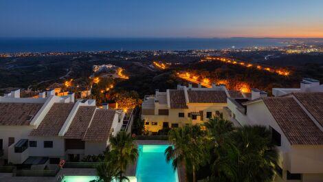 Atico de 4 dormitorios en venta en Los Monteros – R3029783 en