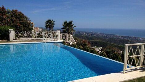 Villa de 5 dormitorios en venta en Altos de los Monteros – R2889725 en