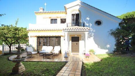 3 bedroom Villa for sale in Calahonda – R3296896
