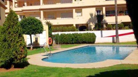 Apartamento de 2 dormitorios en venta en Elviria – R2810987 en